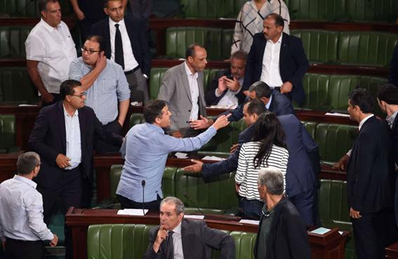 تونس: طريق قانون المصالحة الإدارية سالكة...!
