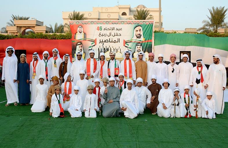 احتفالات آل ربيع المناصير باليوم الوطني بمشاركات شعبية