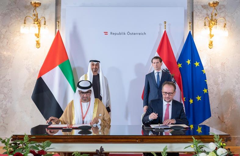 محمد بن زايد وسيباستيان كورتس يشهدان توقيع اتفاقية الشراكة الاستراتيجية الشاملة بين الإمارات والنمسا