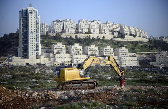 الاتحاد الأوروبي يدعو إسرائيل لوقف الاستيطان