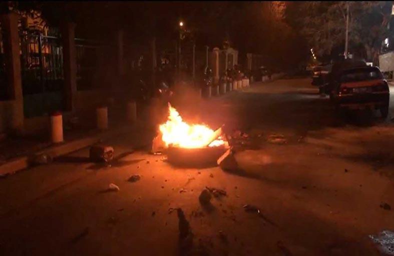 متظاهرون يشتبكون مع الشرطة في دكار