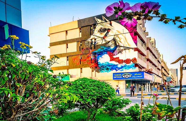جداريات عجمان تبرز تاريخ الإمارة العريق
