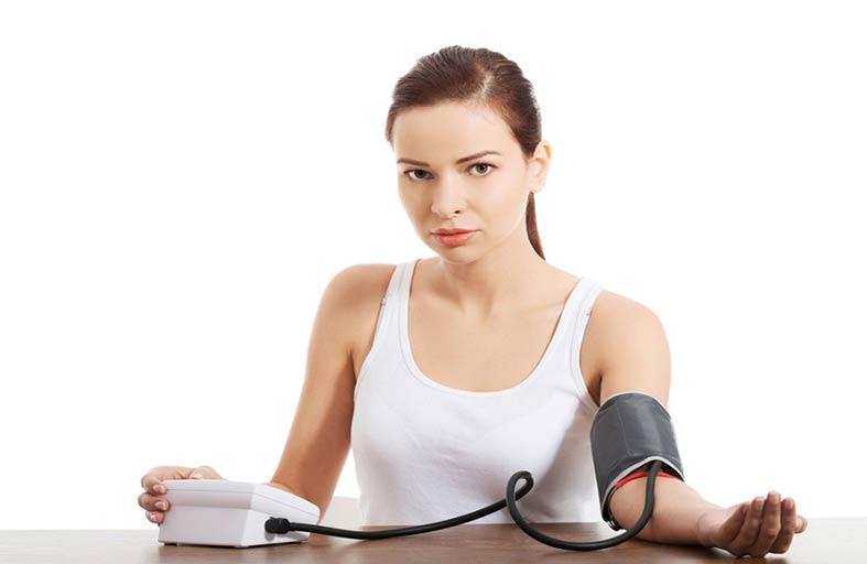 ما أسباب انخفاض ضغط الدم؟