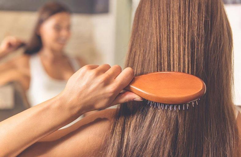 فرشاة الشعر بهذه الطريقة تسبب الصلع