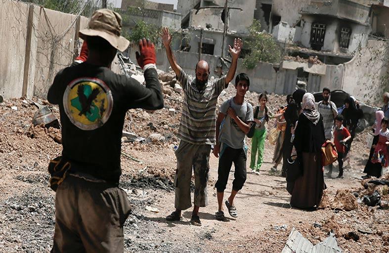 مدنيون في الموصل يواجهون الاغتصاب والقتل على أيدي جنودهم