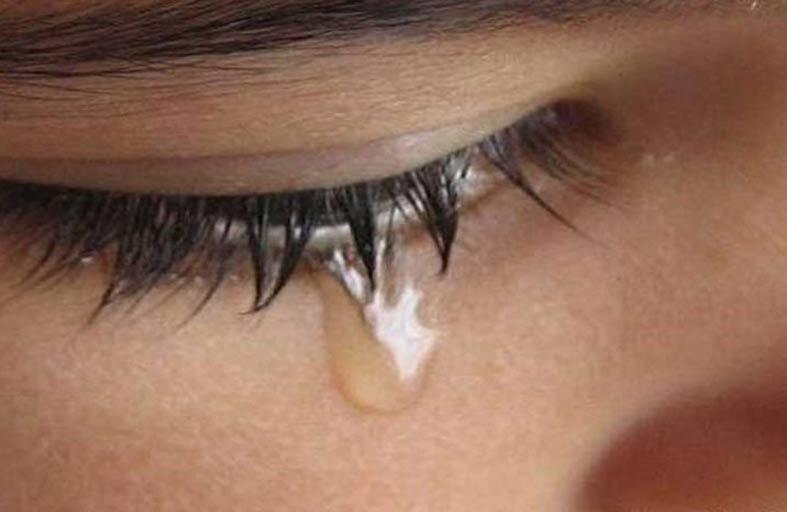 اذرف دموعك لتشحن هاتفك الذكي