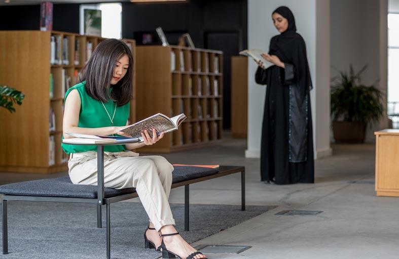 مكتبات دبي العامة تفوز بجائزة التفوق من الاتحاد العربي للمكتبات