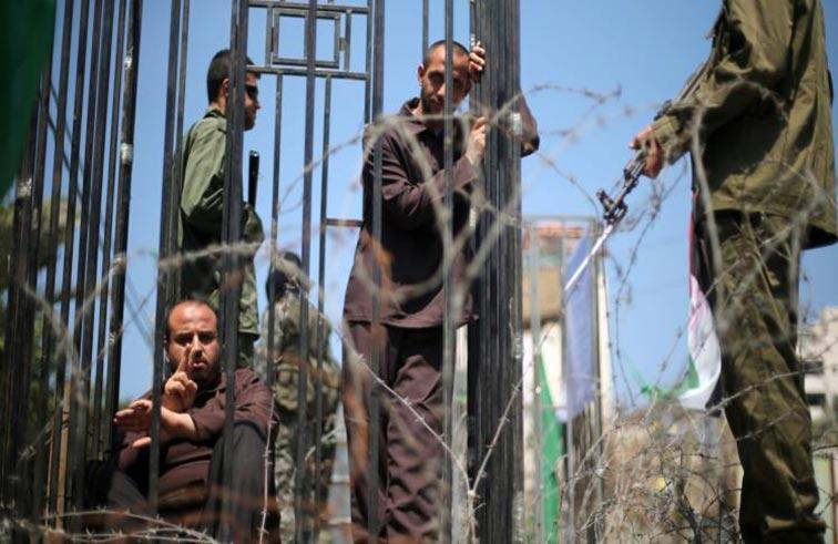 الفلسطينيون المضربون عن الطعام يدخلون مرحلة خطيرة