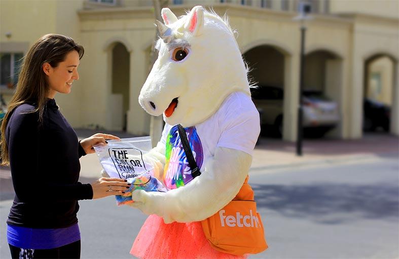 تسليم مجموعة مستلزمات سباق الألوان الذي تنظمه مبادرة أكتف لايف من ضمان