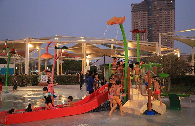واجهة المجاز المائية تنعش ضحكات الأطفال في الأجواء الصيفية