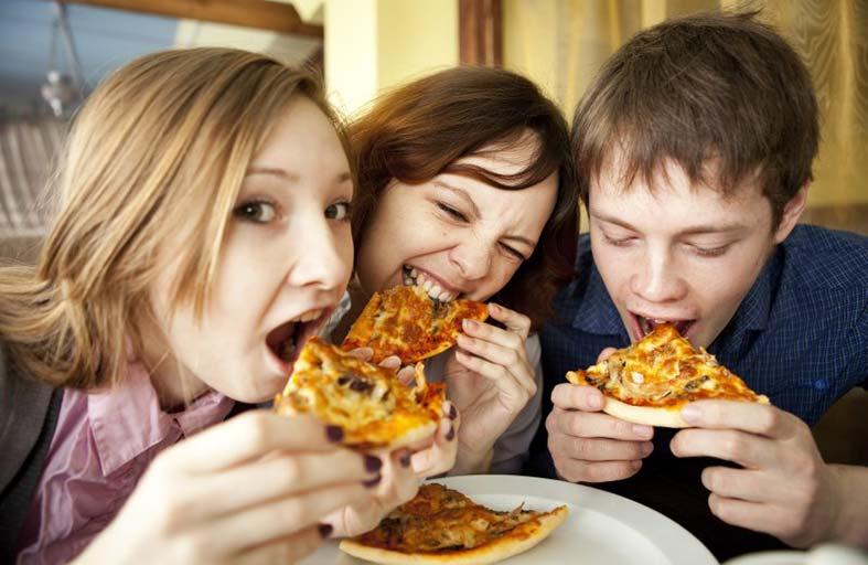 مع اولادكم المراهقين.. ركزوا  على نمط الحياة الصحي لا على الوزن
