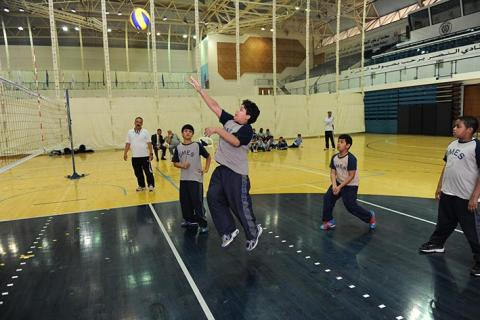 اكتمال عقد المربع الذهبي لطائرة البنين بدورة حمدان بن محمد للألعاب المدرسية