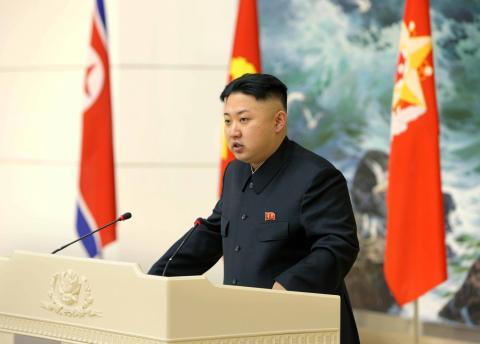 جونغ أون يدعو لمزيد من الأقمار والصواريخ