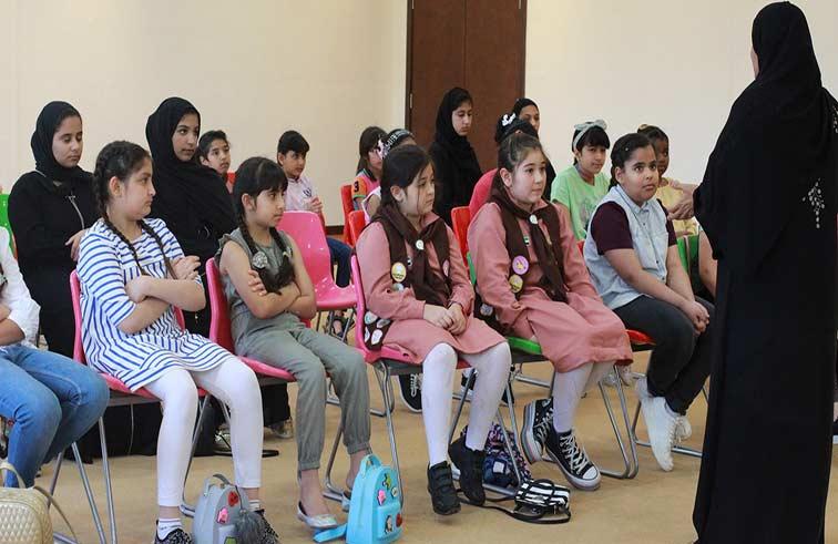 مرشدات الشارقة تغرس روح العطاء لدى الفتيات بحملة المير الرمضاني