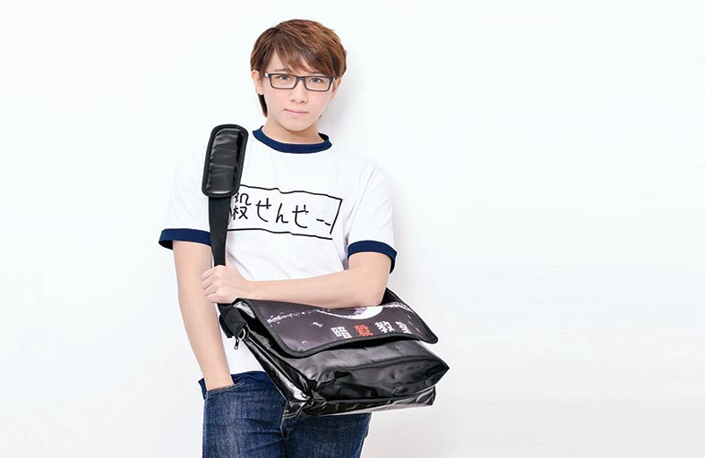 لا تسمحوا لأطفالكم بحمل حقيبة المدرسة على كتف واحدة