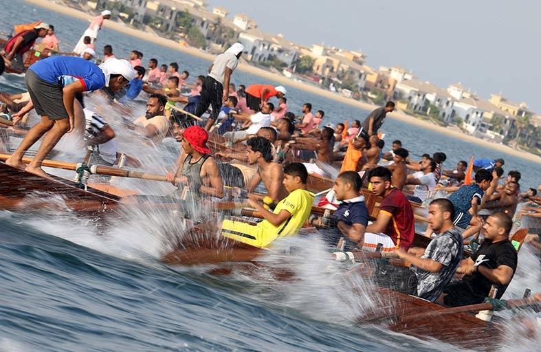 قارب شرطة دبي يخطف لقب 30×30 وناموس الموسم