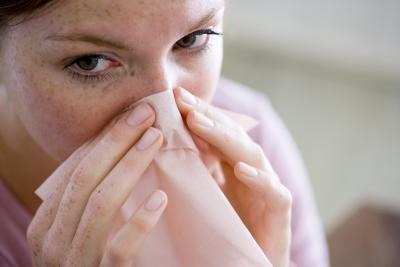 إفرازات الأنف لا تسبّب رائحة فم كريهة