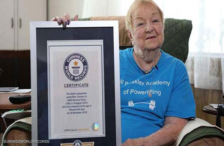 عمرها 100 عام تدخل غينيس في رفع الأثقال