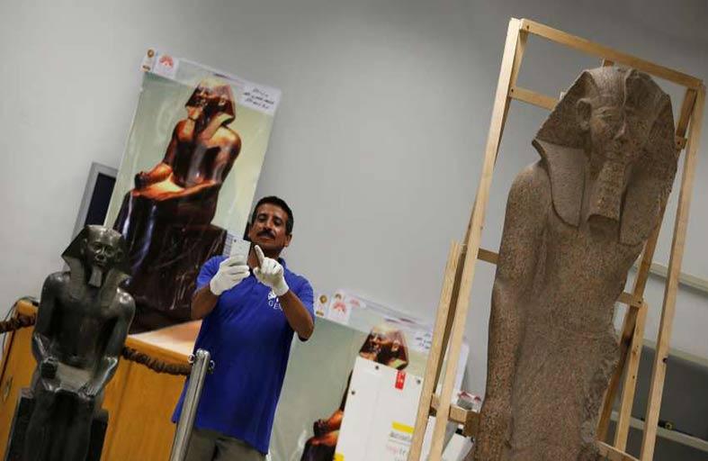 اكتشاف جزء من مسلة ملكية في مصر