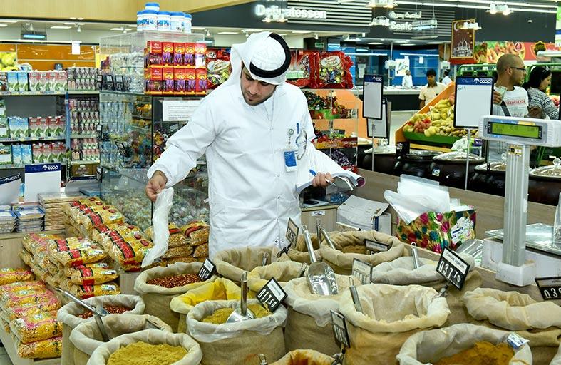 «أبوظبي للرقابة الغذائية» يستهدف 433 منشأة غذائية خلال حملات شهر رمضان المبارك