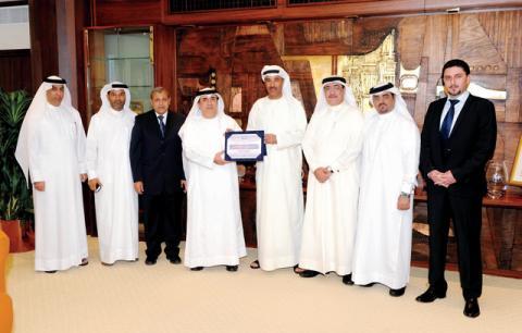 بلدية دبي تفوز بالجائزة العالمية للمجتمعات الحيوية 2012