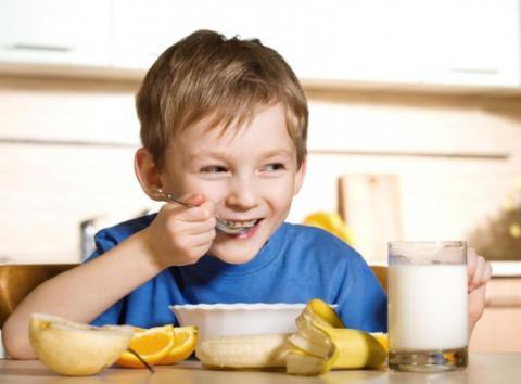 الإفطار يدعم التطور الذهني للطفل