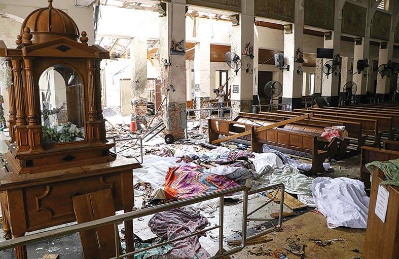 محمد بن زايد: موجة إرهابية جديدة تطال الإنسانية والعالم