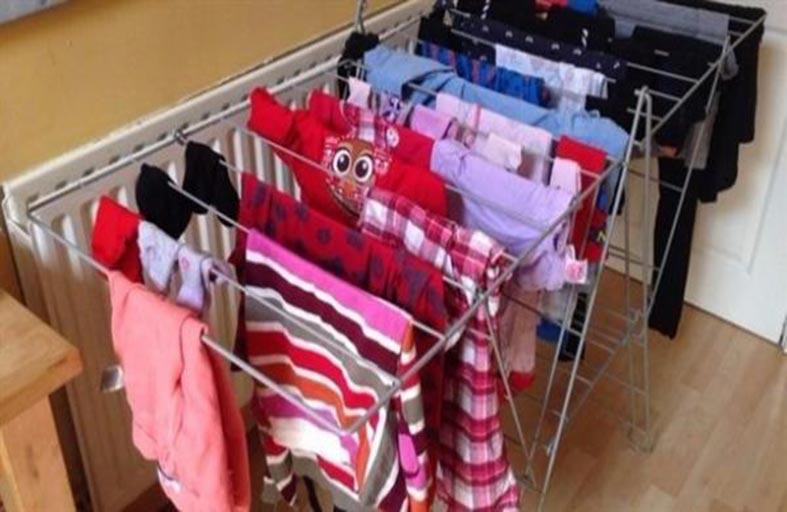 لهذا السبب لا تجفف ملابسك داخل المنزل