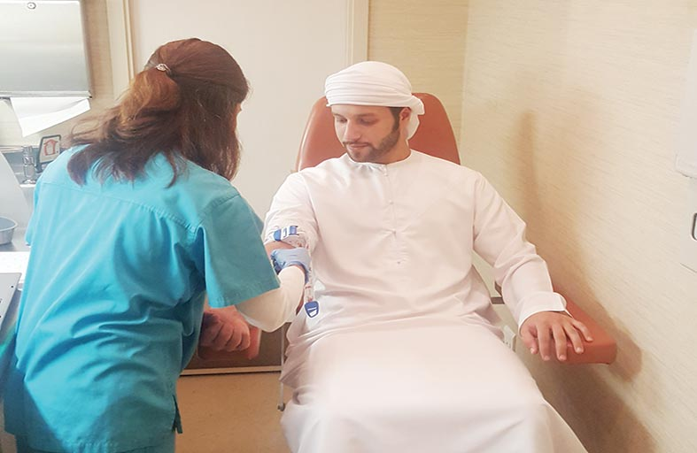 العيادة المتنقلة تزور المجالس في أبوظبي لإجراء فحوصات وقاية