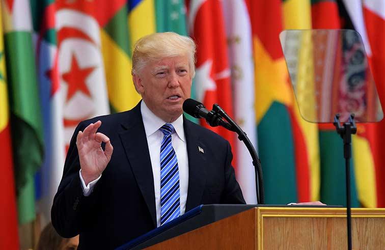 ترامب يسعى لإعادة ضبط العلاقات مع العالم الإسلامي