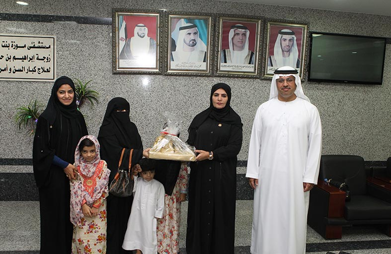 جمعية الصحفيين تنظم إفطار جماعي  لأهالي كبار السن في مستشفى عبيدالله