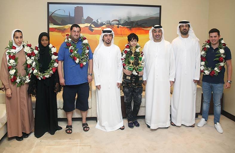استقبال لاعب منتخب الإمارات ولاعب نادي أبو ظبي للشطرنج والثقافة الصاعد عمران الحوسني استقبالا حافلا