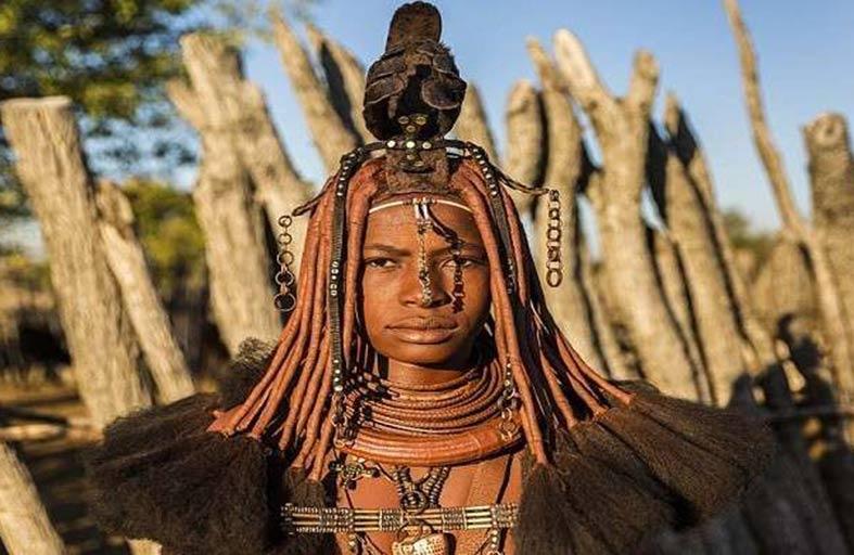 تسريحات غريبة للنساء في قبائل أنغولا