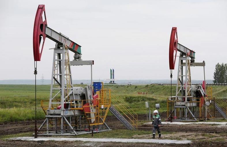 النفط يتجه لأسوأ أداء في النصف الأول