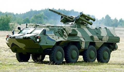 أوكرانيا تعرض في آيدكس 2013 ناقلة جنود مدرعة جديدة بي تي أر-4 أم في