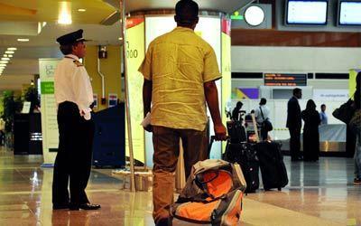 جمارك دبي تقود جهودا دولية لإحباط عملية تهريب 80 كبسولة مخدرة