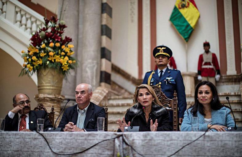 بوليفيا: انقلاب أم تزوير انتخابي...؟