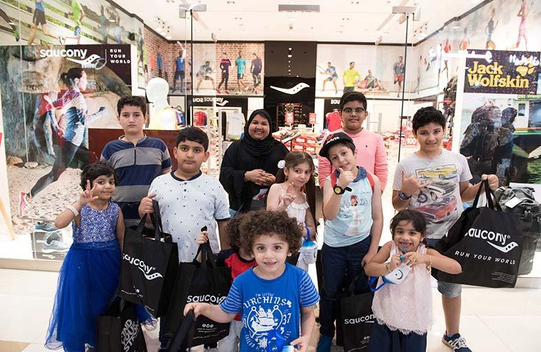 حفل توقي دبي أوتليت مول يستضيف منتسبي جمعية «أصدقاء مرضى السرطان»