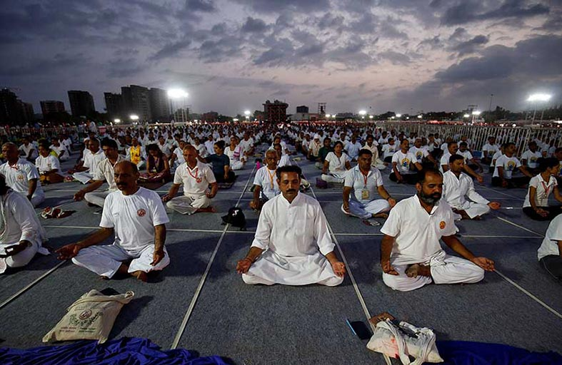 حمى اليوجا تجتاح الهند