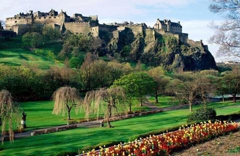 قلعة إدنبرج.. أشهر  القلاع في اسكتلندا