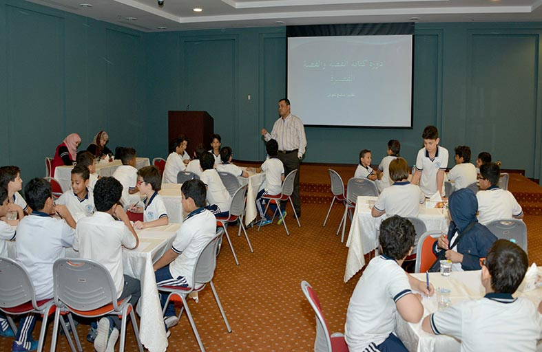 الثقافة تنظم ورش «الكتابة الإبداعية في مجال القصة القصيرة» بمراكزها في أبوظبي وعجمان