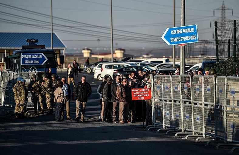 بدء محاكمة 143 عسكريا تركيا تورطوا بمجزرة