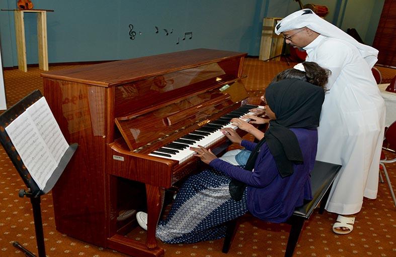 حفلات موسيقية ومعارض لإبداعات الطلاب وتكريم المتميزين