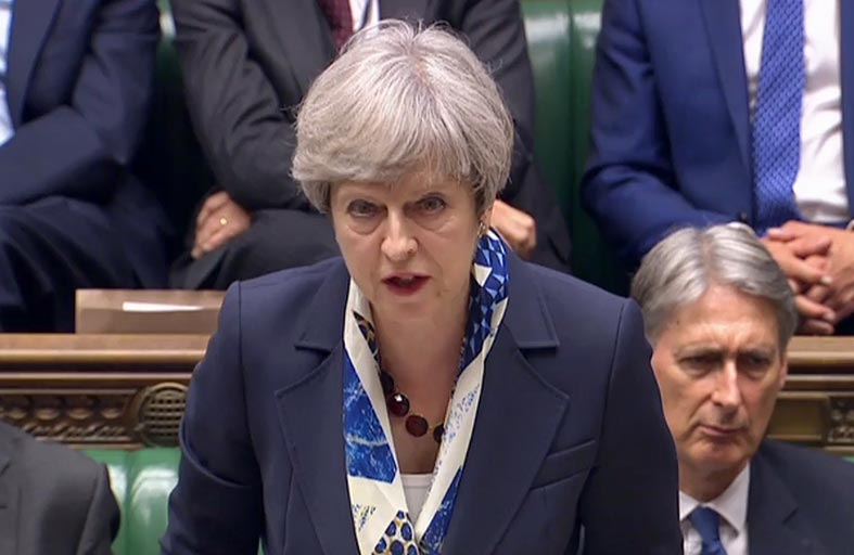 ماي تعرض قانونها لخروج بريطانيا من الاتحاد