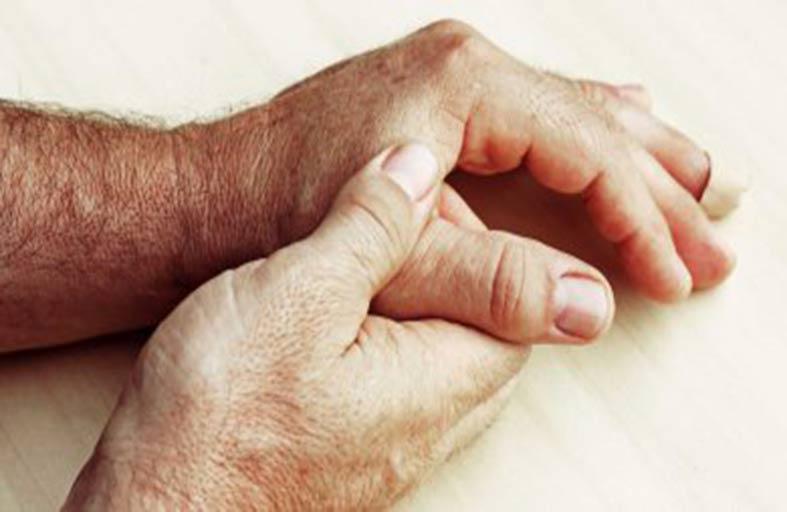 الروماتيزم يعزز حدوث التهابات مفصل الركبة