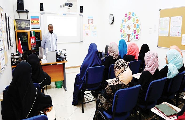 1385 منتسبا يتعلمون اللغة العربية للناطقين بغيرها في زايد للثقافة الإسلامية