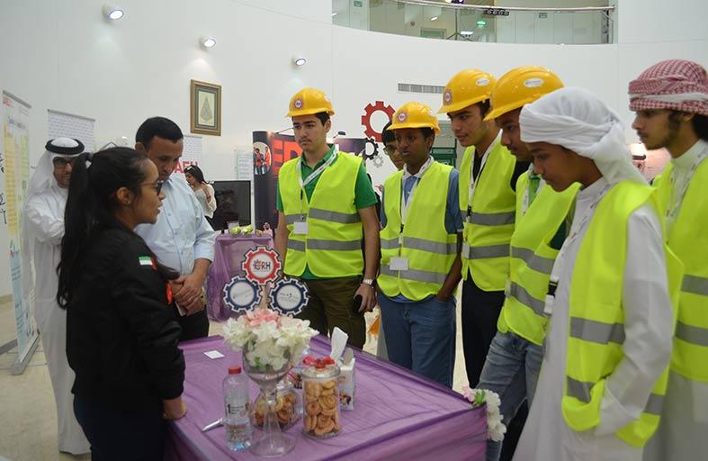 مستشفى الرحبة ينظم أسبوعا تعريفيا لطلبة المدارس والجامعات