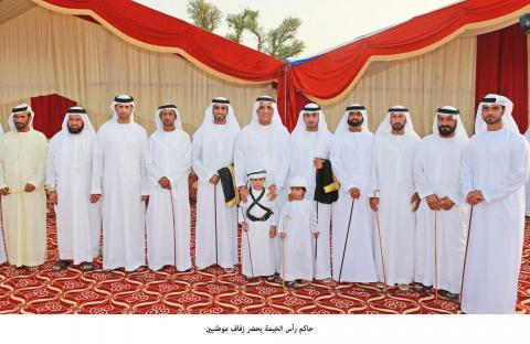 حاكم رأس الخيمة يحضر زفاف مواطنين
