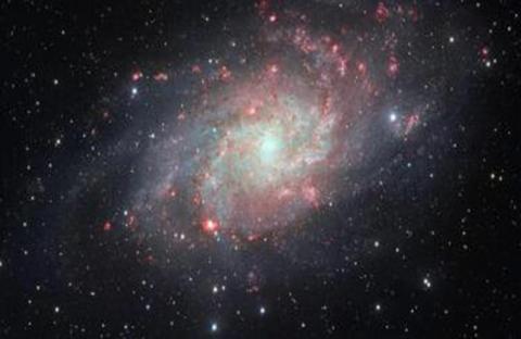 كيف تلتهم الثقوب السوداء النجوم؟