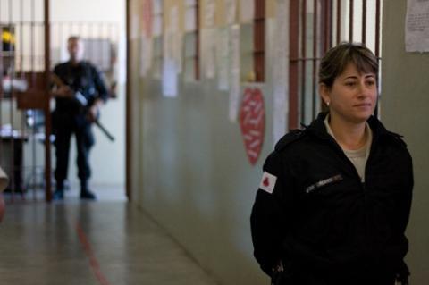 تسجن 20 أسبوعاً لتغيب أطفالها عن المدرسة